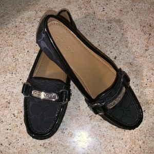 Brand new Women's coach loafers SZ 6 - never used!